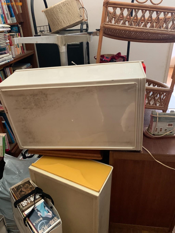 衣類収納ケース、ラック、本棚、本、マットレス付きベッド等の回収